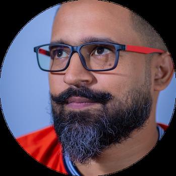 Duksh Koonjoobeeharry est le responsable de l'équipe Web d'AFRINIC, responsable de la gestion de notre portefeuille de sites Web.